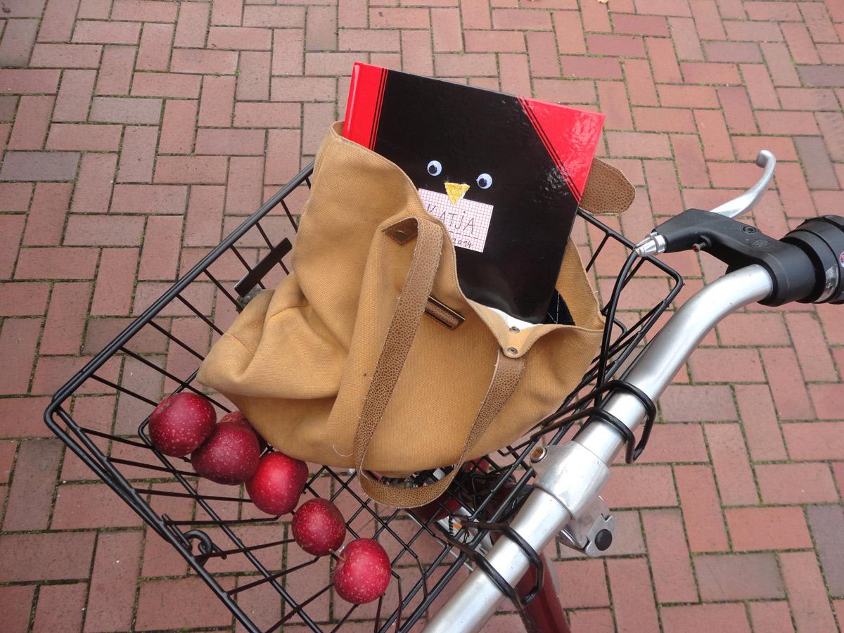 Ideenbuch im Fahrradkorb