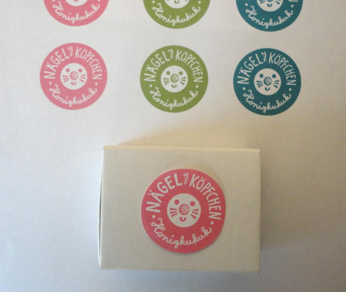 Etikett und Schachtel