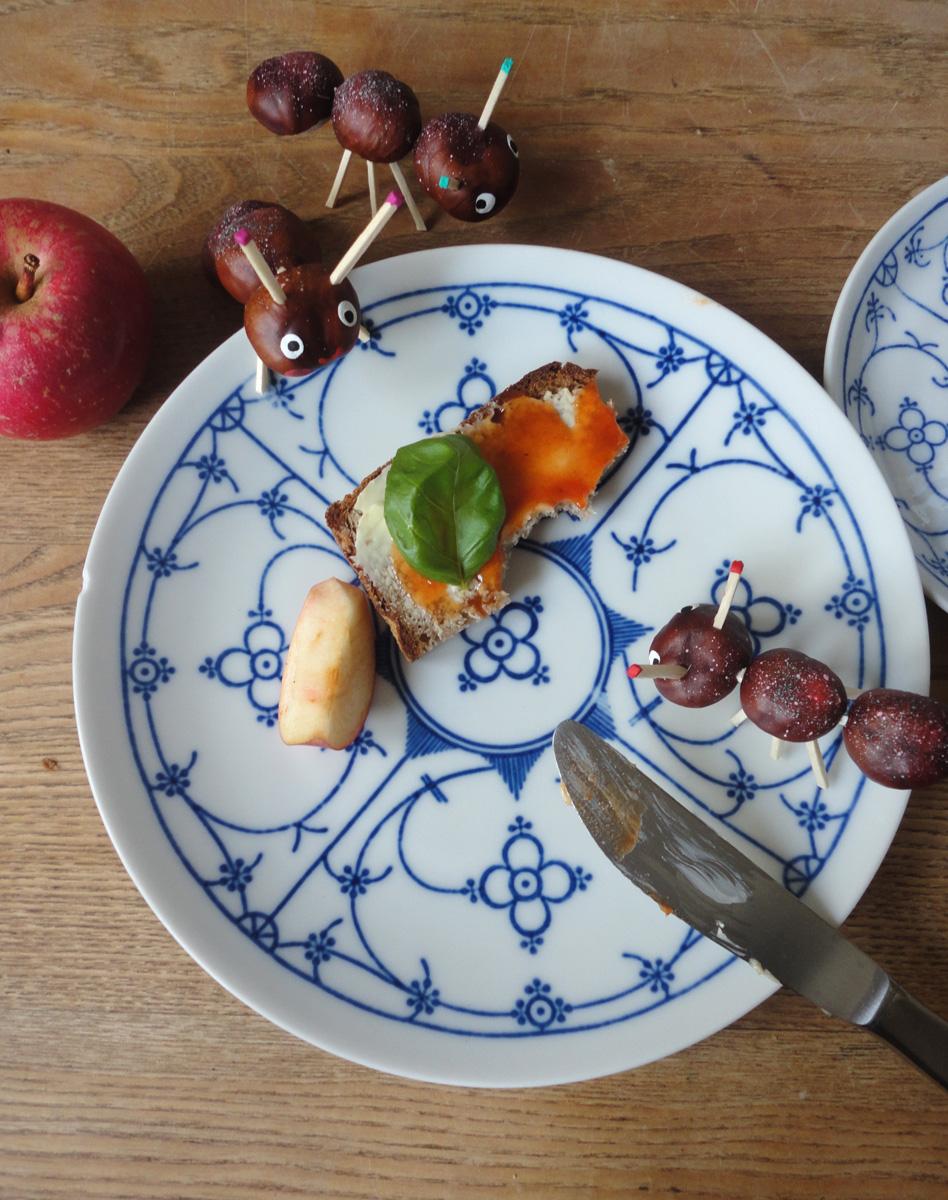 Ameisen auf dem Frühstückstisch