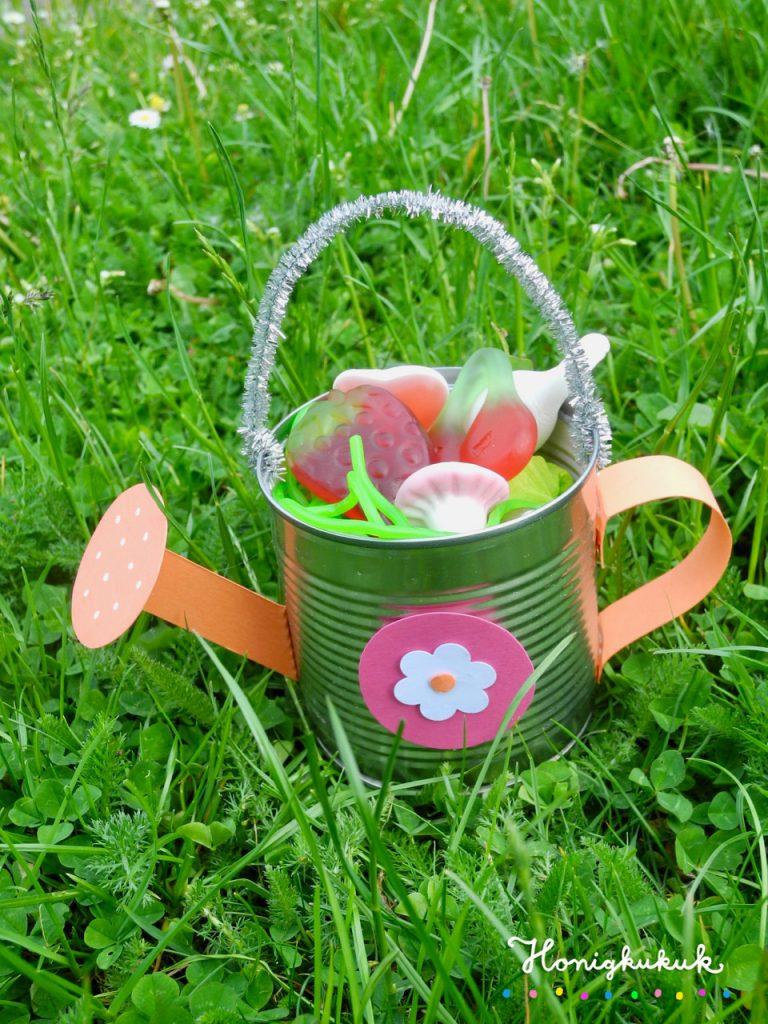 Mitgebsel für die Kinderparty, Gießkannen aus Blechdosen DIY