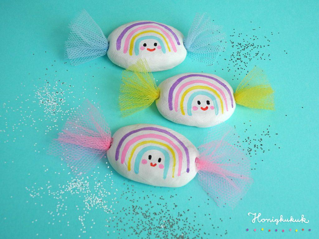 Regenbogen-Bonbons aus Modelliermasse